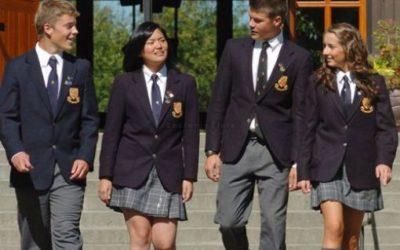 L'uniforme est-il la solution pour imposer une tenue républicaine ?
